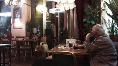 Ein Abend in Wiener Gemeindebau-Beisln