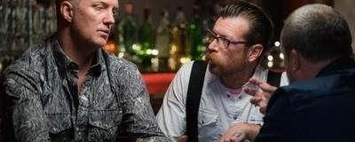 Binnenkort op VICE: Eagles of Death Metal praten voor het eerst over de aanslagen in Parijs