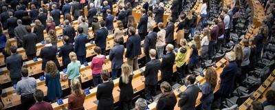 Cum să obligi europarlamentarii să-ți spună ce fac cu banii tăi