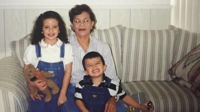 Η Γιαγιά μου η Ιερόδουλη