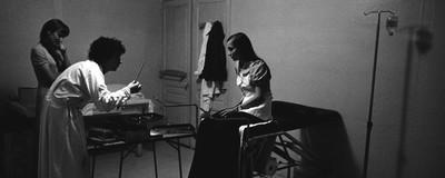 Οι Γυναίκες που Έστησαν μια Παράνομη Υπηρεσία Αμβλώσεων