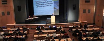 """Polizeigewalt, Pfefferspray und """"Das Boot ist voll""""-Rhetorik – der NPD-Parteitag in Weinheim"""