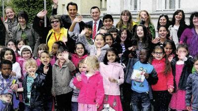 """Die FPÖ-Zeitung ,Zur Zeit' bezeichnet Wiener Kindergartenkinder als """"rassisch durchmischt"""""""