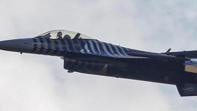 Die Türkei schoss ein russisches Flugzeug nahe der syrischen Grenze ab