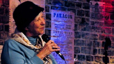 What Life Is Like As an Amateur Comic On the Open-Mic Circuit