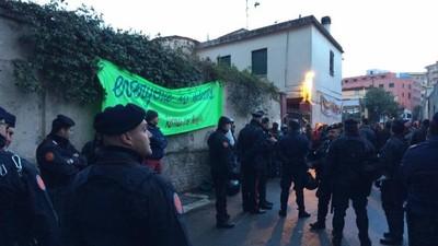 Con il blitz della polizia al 'Baobab' di Roma è ufficialmente iniziato il Giubileo della Misericordia