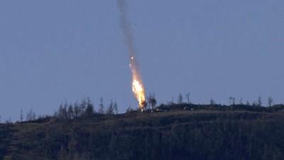 Turkey Shoots Down Russian Warplane Near Syrian Border
