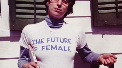 A Radical 70s Feminist T-shirt Has Become an Instagram It-item