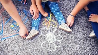 Creșterea și educarea copiilor cu psihedelice nu e doar despre droguri
