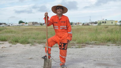 Un momento de libertad: presos mexicanos trabajando