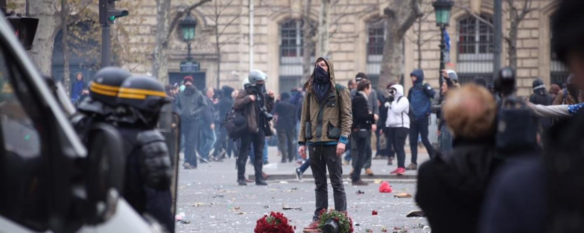 Φωτογραφίες από τις Διαδηλώσεις σε Παρίσι και Λονδίνο για το Κλίμα