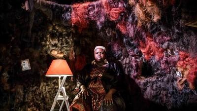 A Artista que Está Transformando Cabelo numa Questão Política para as Mulheres Britânicas Negras