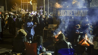 Minneapolis Charges Four Men in Shooting of Jamar Clark Protesters