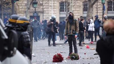 Rellen tussen activisten en de politie: de klimaattop in Parijs (Deel 1)