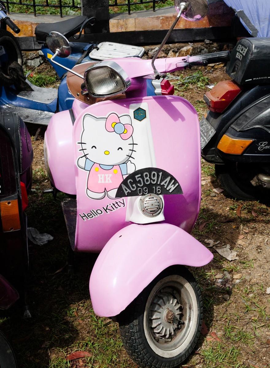 Od Hello Kitty po crust punk: Vespa gangy Indonésie