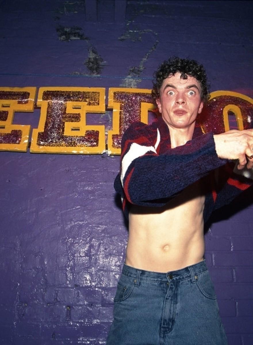 Breakdancers, ravers en pillenkoppen: zweterige foto's van veertig jaar Britse clubcultuur