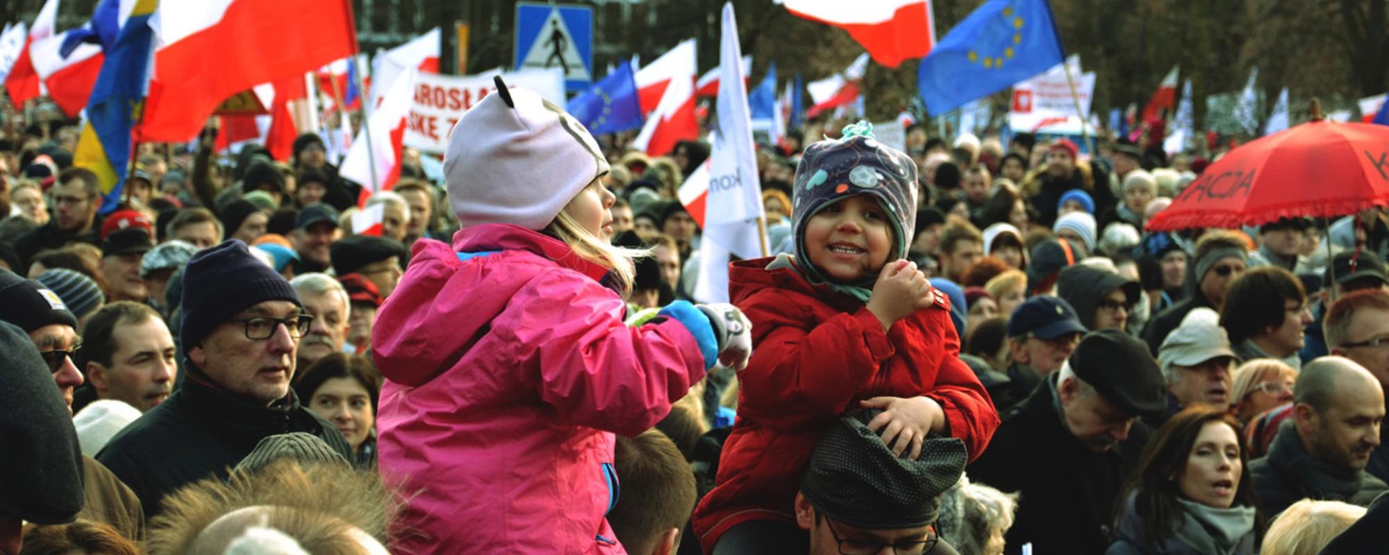 50 tysięcy Polaków wyszło na ulice Warszawy