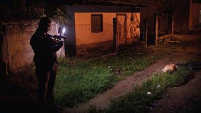 Het leven van een misdaadjournalist in moordstad San Pedro Sula