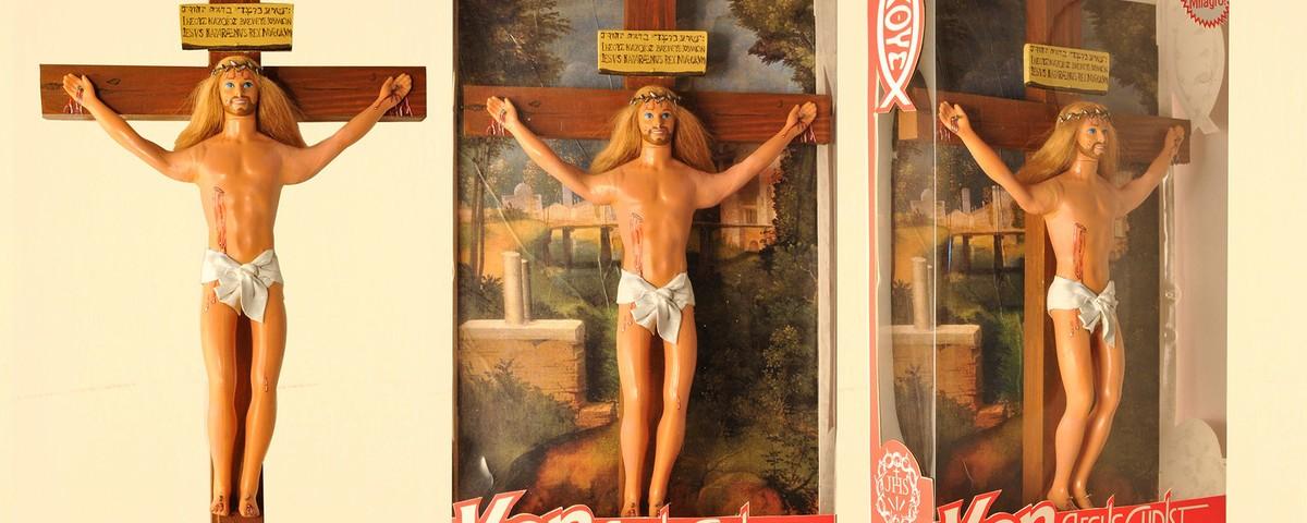 Ken crucificado y Nuestra Señora de Barbie [Argentina]