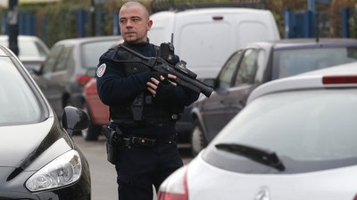 Man Claiming Allegiance to the Islamic State Stabs Schoolteacher in France