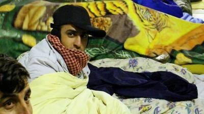Afghaanse vluchtelingen maken zich op voor een koude winter op de straten van Parijs