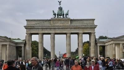 Ein Rumäne hat Deutschland dazu gebracht, allen EU-Einwanderern nach sechs Monaten Sozialhilfe zu zahlen