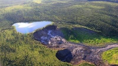 Este lago canadiense se cayó por un precipicio y desapareció