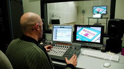 Warum deutsche Synchronfassungen von Filmen oft so scheiße sind