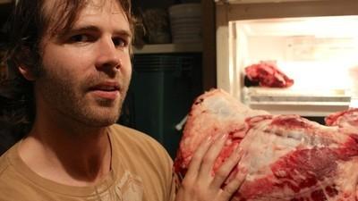 Como está o cara que come só carne crua há sete anos?