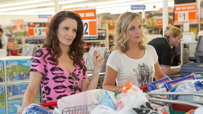 Tina Fey and Amy Poehler Are America's 'Famous Best Friends' Again in 'Sisters'