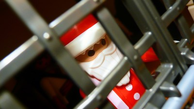 My Memories of Christmas in Prison Are Dark and Complex