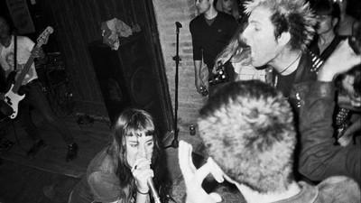 Nuestros grupos de punk favoritos defienden la okupación en Barcelona con un gran concierto