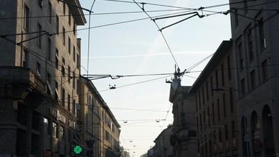 Foto di Milano deserta durante il blocco del traffico