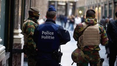 """Belgische Polizisten sollen eine Orgie gefeiert haben, """"statt Terroristen zu jagen"""""""