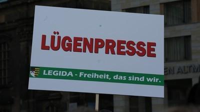 """Impfgegner, Holocaustleugner und GEZ-Verweigerer gegen die """"Lügenpresse"""""""