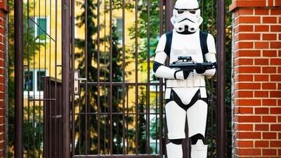 Kluk, co doma vyrábí Star Wars kostýmy