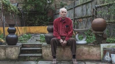 Beeldhouwkunst, smokkelroutes en begraven hasj: een gesprek met een van de eerste grote Engelse drugssmokkelaars