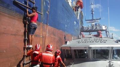 México rescata a nueve balseros cubanos que naufragaron