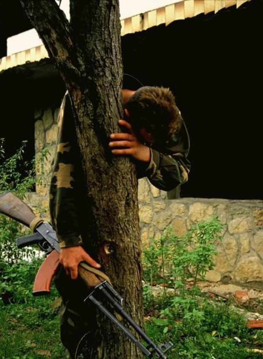 Un fotografo ricorda gli orrori della guerra in Bosnia