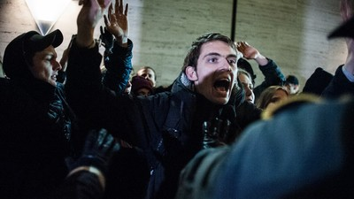 Protestors Blocked Trains Over New Anti-Refugee Restrictions at the Sweden-Denmark Border