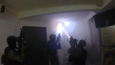 Bekijk hier de GoPro-beelden van de inval bij drugsbaron El Chapo
