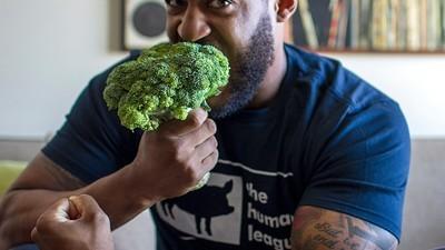 Músculos veganos: humanos herbívoros que batem recordes mundiais