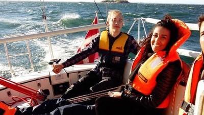 Een gesprek met de twintigjarige Deen die vluchtelingen naar Zweden smokkelt