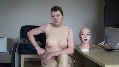 Living Dolls: Männer, die sich zur Puppe machen