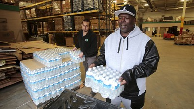 Michigan Calls in the National Guard to Distribute Water to the City of Flint
