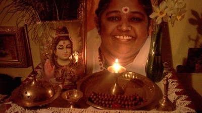 Passei uma semana no lar da guru viva mais famosa da Índia