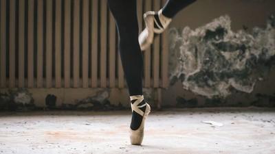 Die Untergrund-Ballerinas des Iran