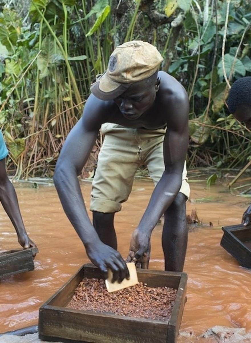 Op zoek naar diamanten in de door oorlog verscheurde Centraal-Afrikaanse Republiek