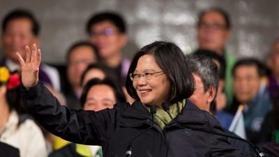 Taiwan má svou první prezidentku – ta se teď musí vypořádat s Čínou