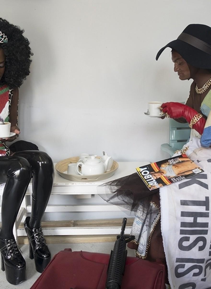 Südafrikanische Transgender in ihren besten Outfits